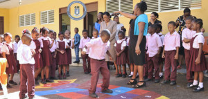 ENID-SCATLIFFE-SCHOOL-LAUNCHES-NEW-PLAY-GROUND-17-JAN-2015