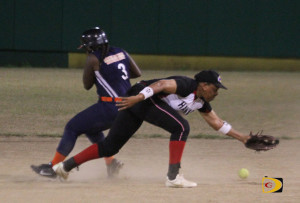 A throw from the catcher eludes Hawks second baseman Gertrude Thomas, as Dat's Ya Problem steals second and scores the eventual winning run